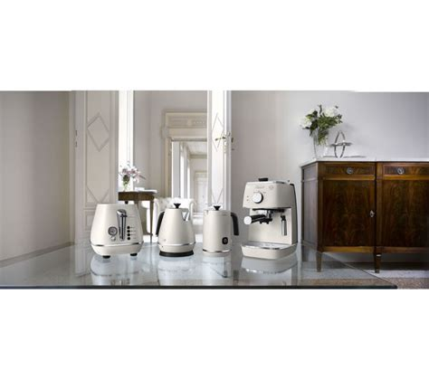 4 Slice White Toaster Buy Delonghi Distinta Kbi3001 W Jug Kettle White Free