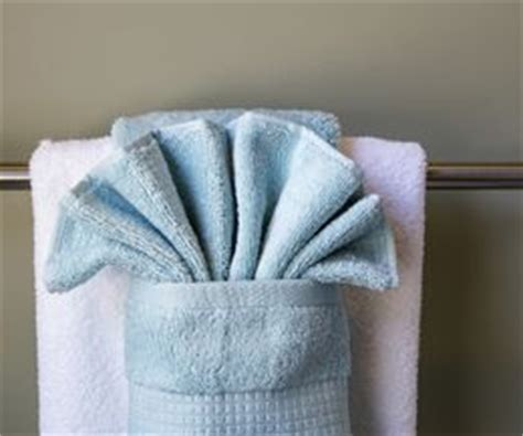 decorative bath towel arrangements 17 best images about napkin towel folding on pinterest
