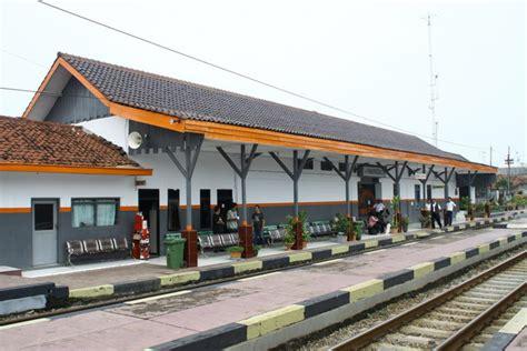 stasiun haurgeulis kereta api indonesia wiki fandom