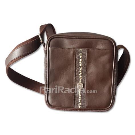 Tas Kulit Pria Coklat tas pria kulit ikan pari warna coklat tetes air