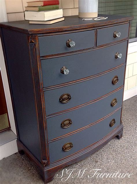 Grey Chalk Paint Furniture by 17 Best Ideas About Chalk Painted Dressers On