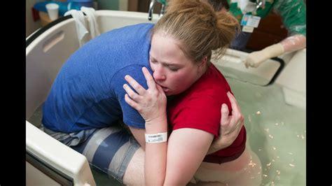 Of Water Birth Indahnya Melahirkan Dalam Air proses melahirkan normal di dalam air perjuangan seorang ibu