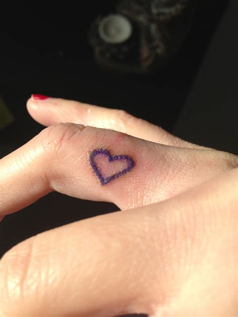 heartbeat tattoo on finger cute heart tattoo on finger tattooshunt com