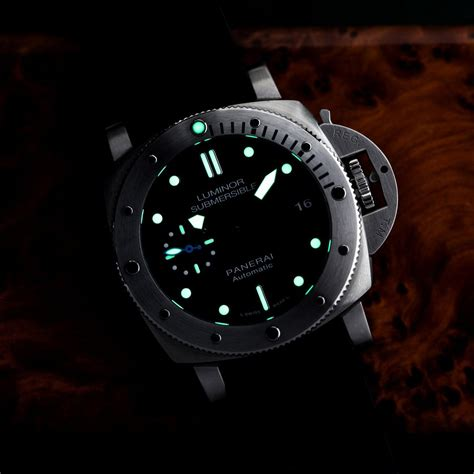 Panerai Pam 237 Ultimate Swiss Eta 11 panerai luminor submersible 1950 187 petagadget