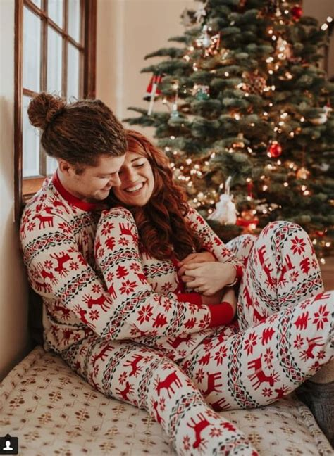 merry christmas photo ideas  couples today  date