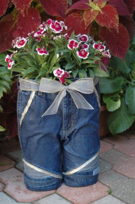 Diy Recycled Planters by How To Diy Recycled Jean Planter Www Fabartdiy