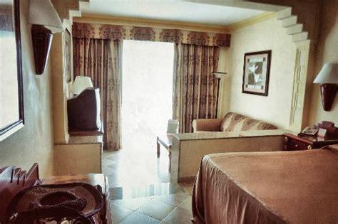 Riu Vallarta Family Room   Marceladick.com