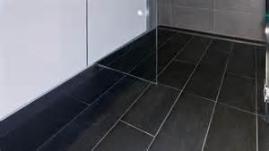 Flooring Ideas For Bathroom posare piastrelle bagno consigli bagno