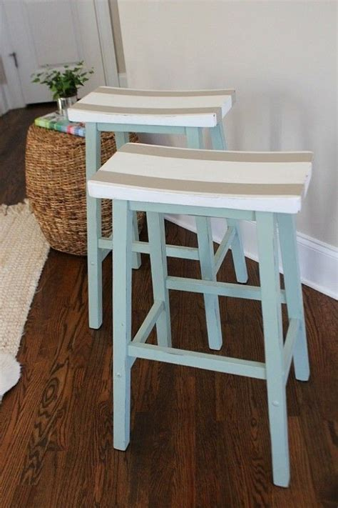 Beachy Looking Bar Stools by 25 Best Ideas About Coastal Kitchens On