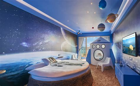 Theme Hotel East Coast | 13 space themed hotels suites right here on earth