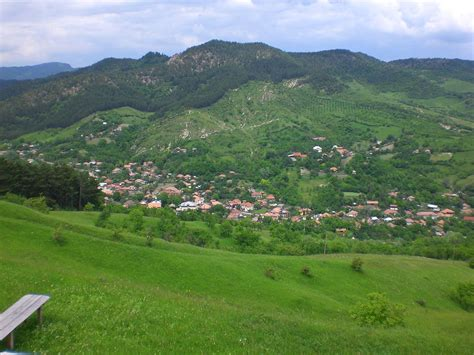 lovely Living In The Mountains #1: 1200px-View_of_Braesti_Buzau_RO.jpg