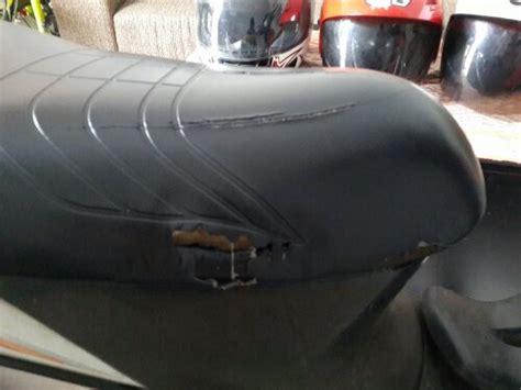 Sarung Jok Yang Bagus cara mengganti sarung jok motor yang sobek maticmotor