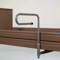 bett mit aufstehhilfe pflegebetten zubeh 246 r aufstehhilfe aus dem pflegebett