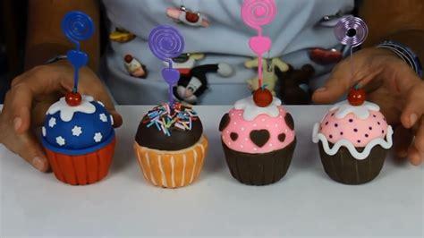 cupcakes de bautismo en pinterets decoraci 243 n de cupcakes para bautizo diy cojin de cupcake pastelillo cupcakes de biscuit lembrancinhas diy