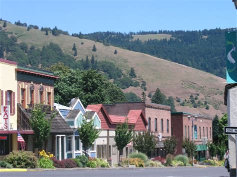 cute towns white salmon wa cute little town of pictures