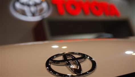 Bantal 2 In 1 Keroppi Mobil Corolla Toyota airbag bermasalah toyota tarik 2 9 juta mobil otomotif