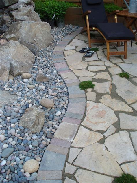 Paver Patio Edging Options M 225 S De 25 Ideas Incre 237 Bles Sobre Paver Edging En Pinterest Canteo De Paisajismo Cama Con