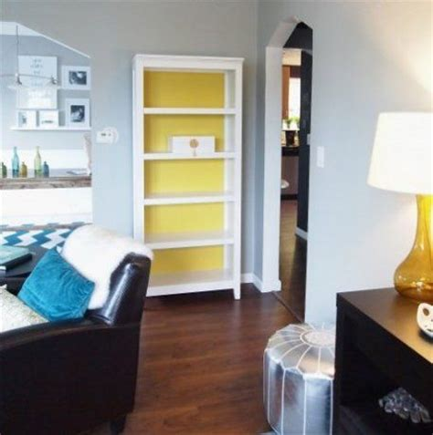 benjamin gray husky and bookcases on