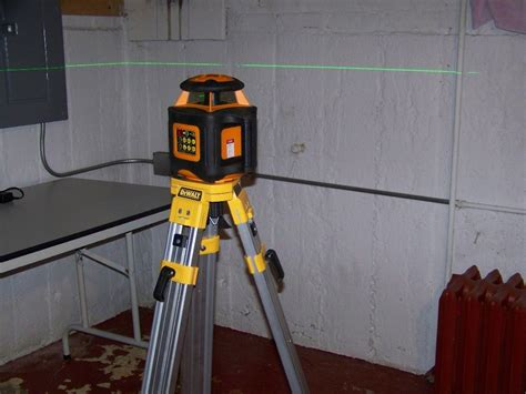 johnson automatic leveling rotary laser level with