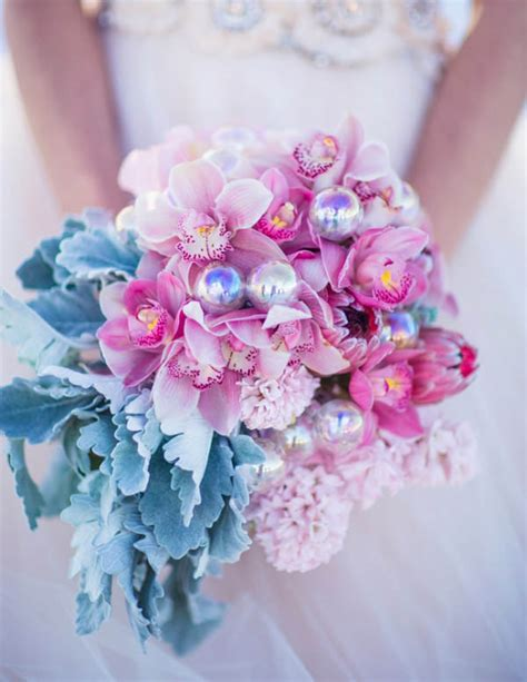 Wedding Bouquet Bauble by Unconventional Bridal Bouquets You Ll Adore Easy Weddings