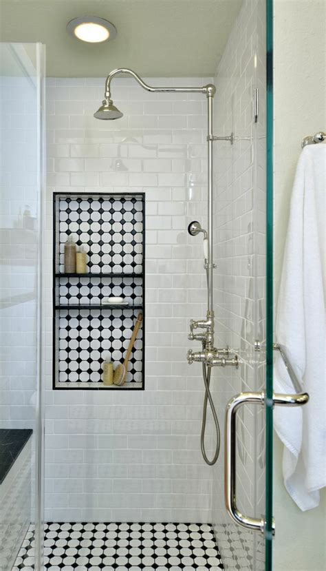 Impressionnant Carrelage Damier Noir Et Blanc Salle De Bain #2: faience-salle-de-bain-leroy-merlin-jolie-salle-d-eau-avec-carrelage-noir-et-blanc.jpg