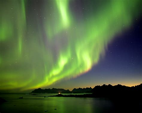 tallest building alaska northern lights