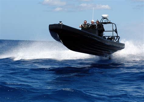 black speed boat black speed boat free image peakpx