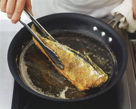 choosing which oils to cook fish with