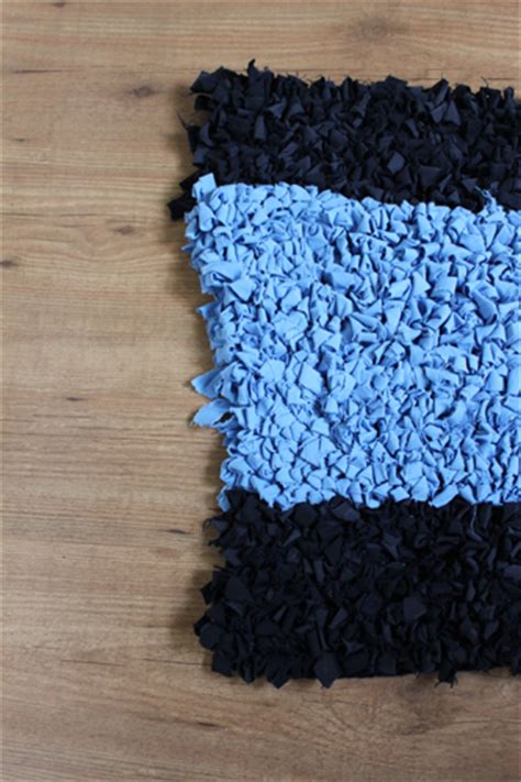 teppich schneiden anleitung anleitung teppich aus alten stoffen h 228 keln