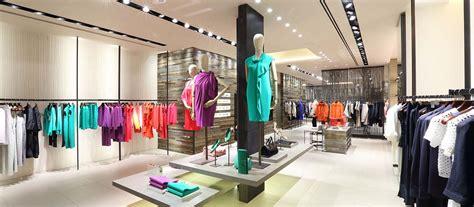 max mara flagship store reggiani illuminazione
