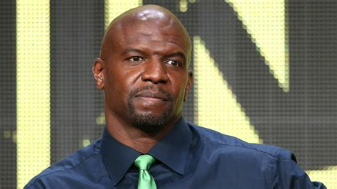 terry crews nfl hollywood muscle man terry crews says nfl is like jail