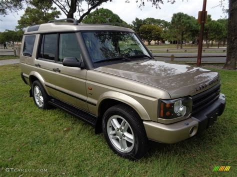 white and gold range rover 2003 white gold land rover discovery se7 117178146 photo