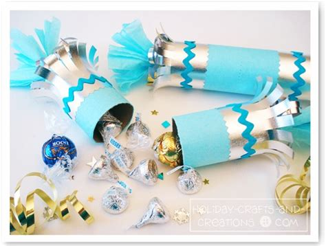 easy christmas party favors favors new year s poppers