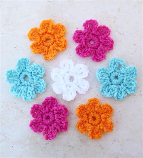 bloem haken patroon gratis haak smaak gehaakte bloem in 5 minuten