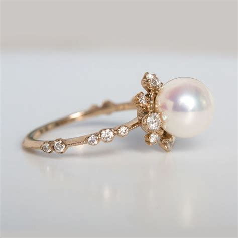 Pearl Engagement Rings by Best 25 Pearls Ideas On Pearl Floating Pearl