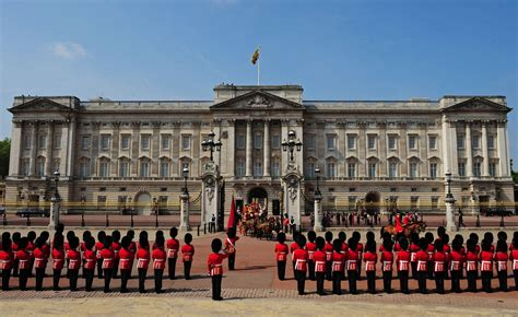 the best places in buckingham palace big places in culture