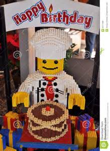 anniversaire de sculpture en lego joyeux photo stock 233 ditorial image 22777068