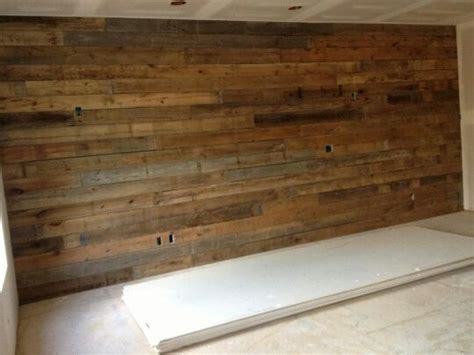 the inspiration chronicles barnwood accent walls this barnwood wall makes the perfect accent wall in this
