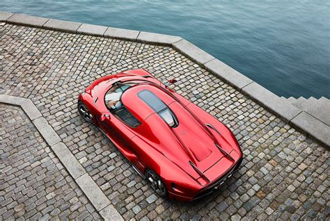 koenigsegg regera red photo of the day candy red koenigsegg regera gtspirit
