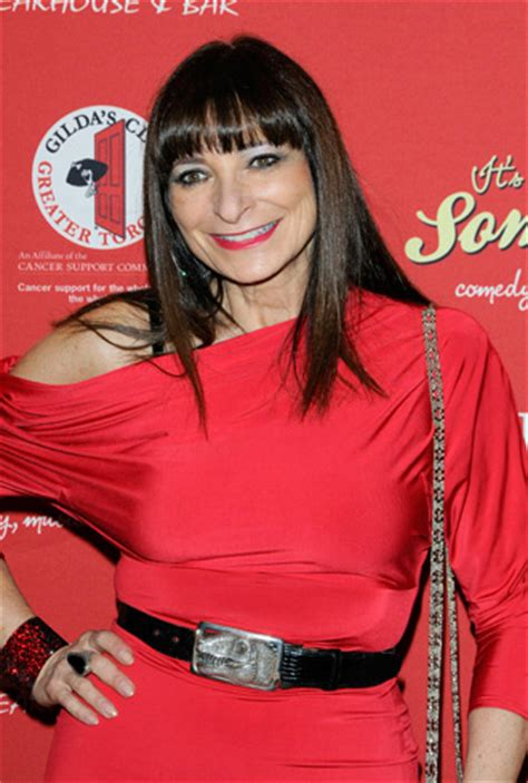 Jeanne Beker At Fashion Week 2008 by Fashion Television Comes To An End Forum Buzz