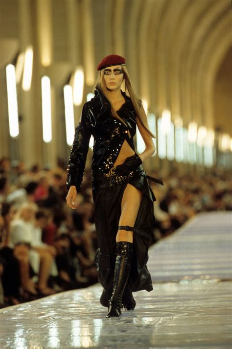 Christian 6601 Vi 1 christian fall 1999 couture collection vogue