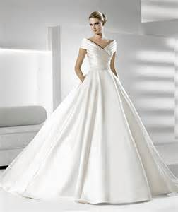 Or this oh so grace kelly esque 1950s inspired bridal gown from la