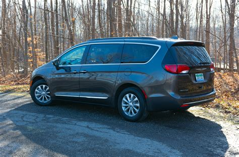 chrysler touring 2017 chrysler pacifica touring l review the