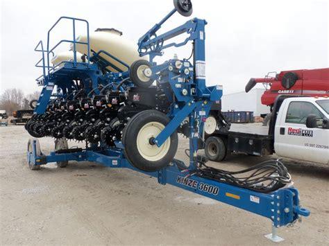 24 row kinze 3600 corn planter kinze farm equipment
