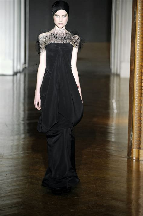 Runway Report Christian Lacroix Couture by Christian Lacroix Fall 2009 Runway Pictures Livingly