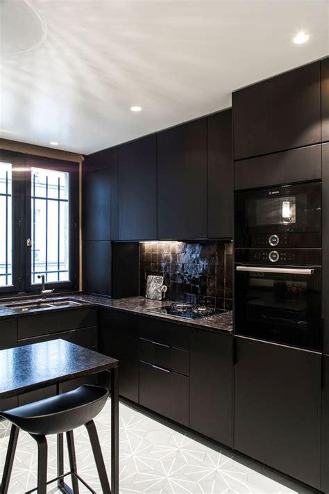 cuisine noir brillant cuisine des photos d 233 co pour s inspirer c 244 t 233 maison