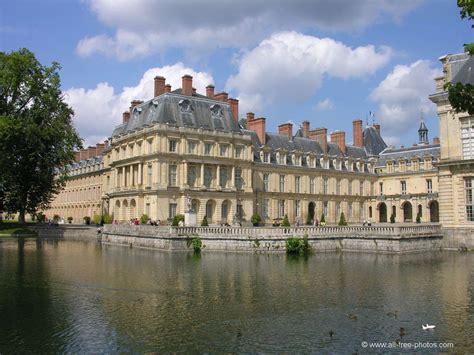 in francia foto castillo de fontainebleau francia