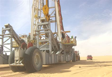 drilling rig image land rig site 1 3d animation oil powerful fast moving land rigs from china sovonex