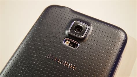 Dotted Metallic Samsung S4 on preview the samsung galaxy s5 ycptech
