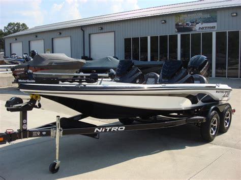 nitro model boats nitro z18 bass boats new in warsaw mo us boattest
